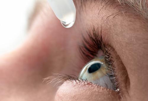 Лечение глаз антибиотиками.