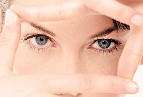 """Синдром """"сухого глаза""""."""